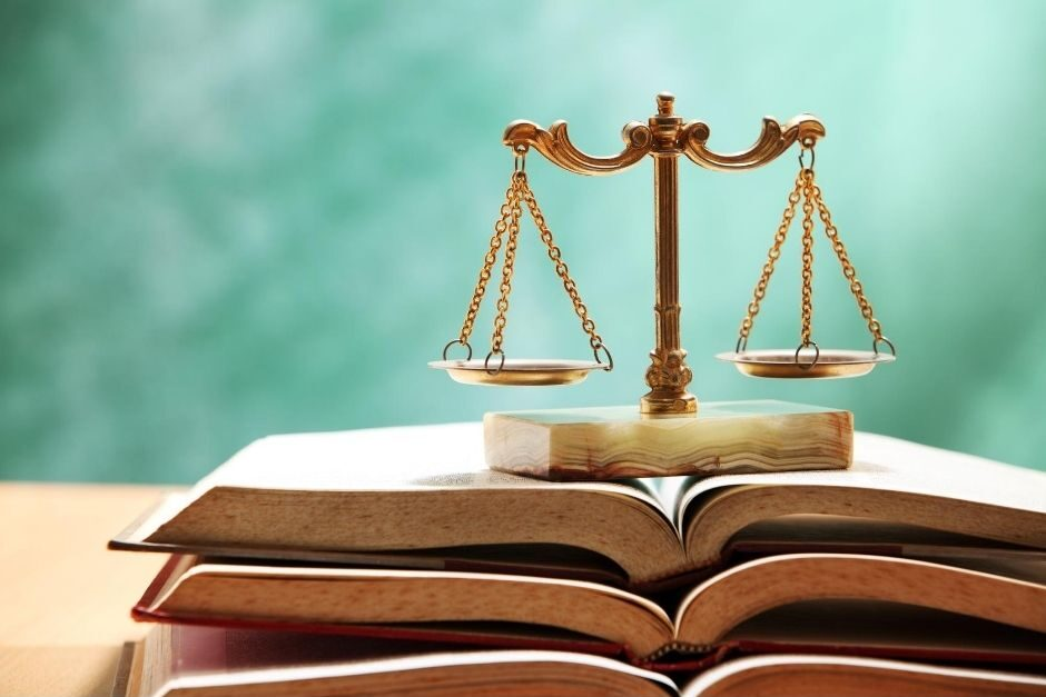 legal scales on books